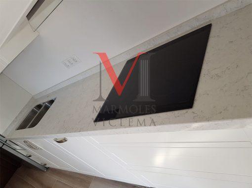 Encimera blanco Orion, Ojen – Marmoles Viclema Málaga